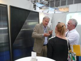 Lennart Jacobsson, CEO of Ephex explains the new solar heating system at the Intersolar. (Photo: Jens-Peter Meyer)