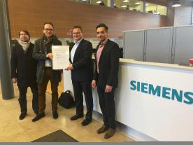Handover of the Certificate for Siemens' new 8 MW offshore wind turbine prototype (Photo: DNV GL)