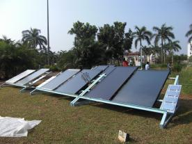 Collectors and components installed at the Kochi test facility had to hold up under hot and humid weather conditions. (Photo: SpeedColl)