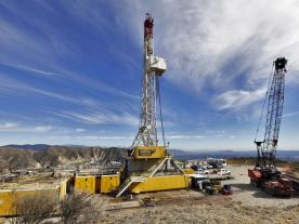 A relief well being drilled at the Aliso Canyon facility to stem the gas leak at an adjacent well in an underground storage field, in Porter Ranch, California, U.S. (Photo: dpa)
