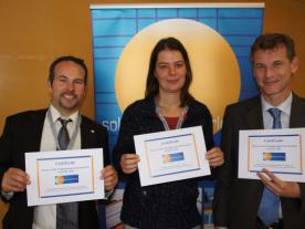 <b>They were the fastest to answer the quiz questions from solarthermalworld.org: (from the left) Jan Knaack (BSW Solar), Anja Loose (ITW Stuttgart) and Olivier Drücke (Eclareon). </b><br><br><i>Photo: Stephanie Banse</i><br>